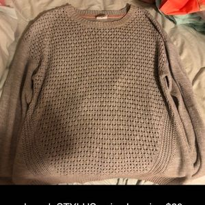 grey woman's sweater